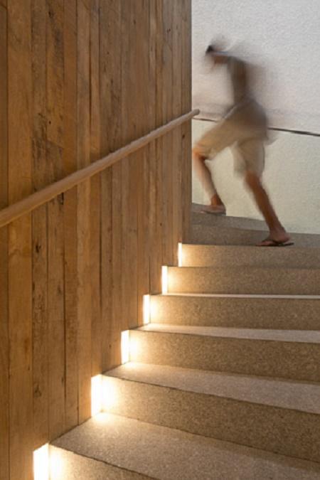 Escadas Iluminadas Seguran 231 A E Beleza Blog Da Arquitetura