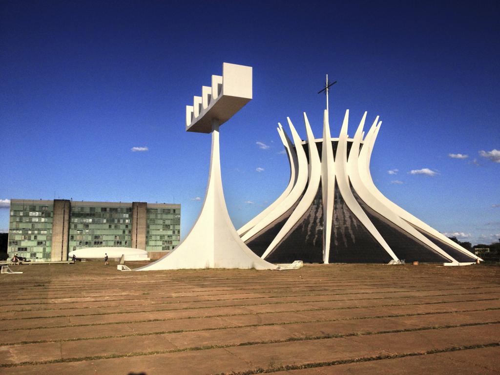 Mestres da Arquitetura: a vida e as obras de Oscar Niemeyer