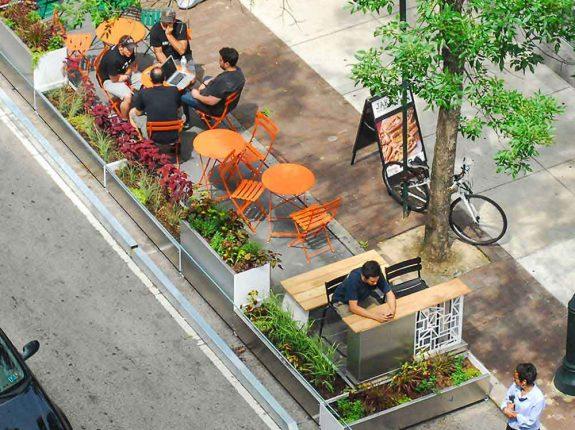 Como os parklets influenciam o entorno e podem ajudar o comércio local