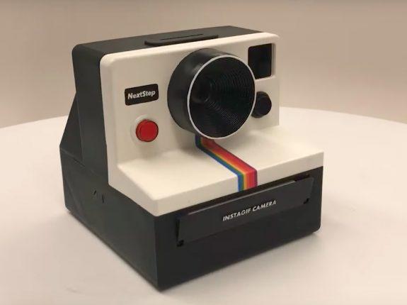 """Criaram uma câmera instantânea que """"imprime"""" GIFs!"""