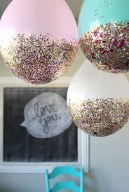 Imagem de balões decorados com glitter