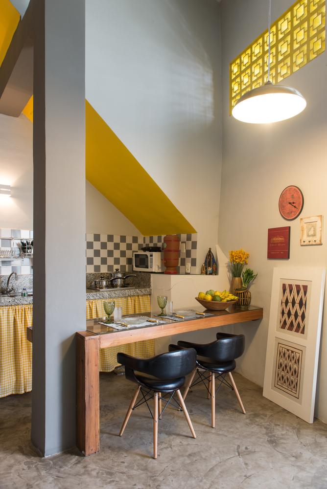 Imagem da área interna da casa, na parte térrea
