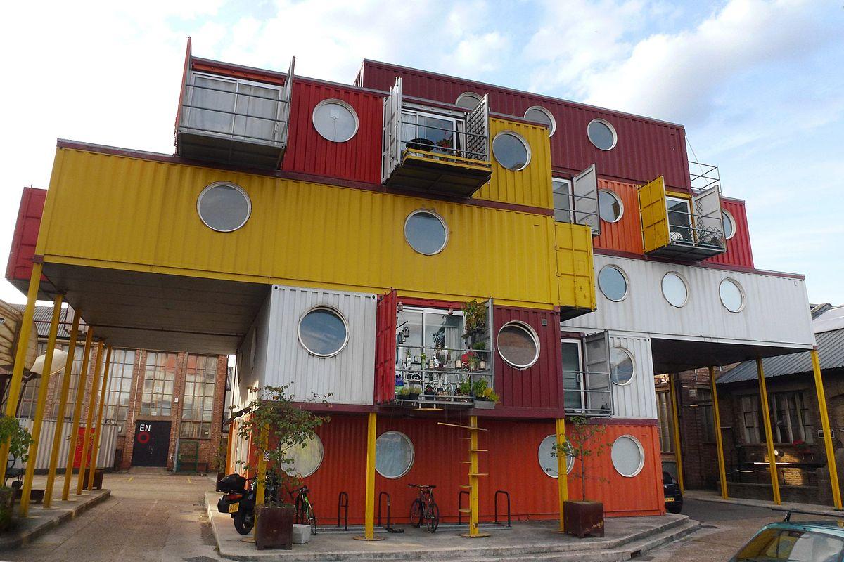 edifícios de containers reciclados