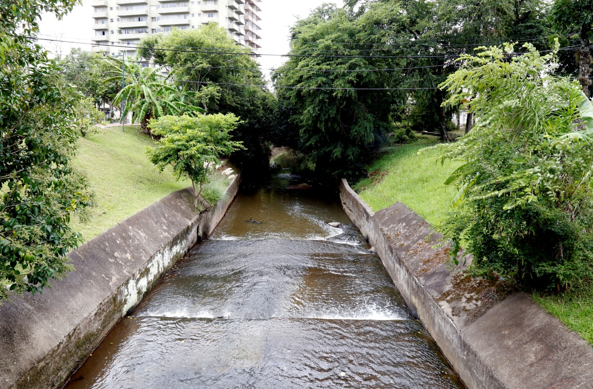 reabertura de rios e canais de Curitiba